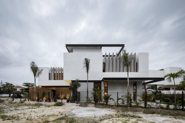 Romantic House by TAFF Arquitectos in Cancun, Mexico