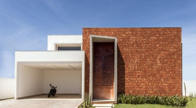 Taquari House by Ney Lima in Brasilia, Brazil