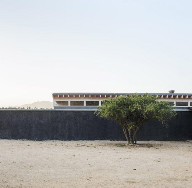 Tierras Blancas House by Gonzalo Claro in Catapilco, Chile