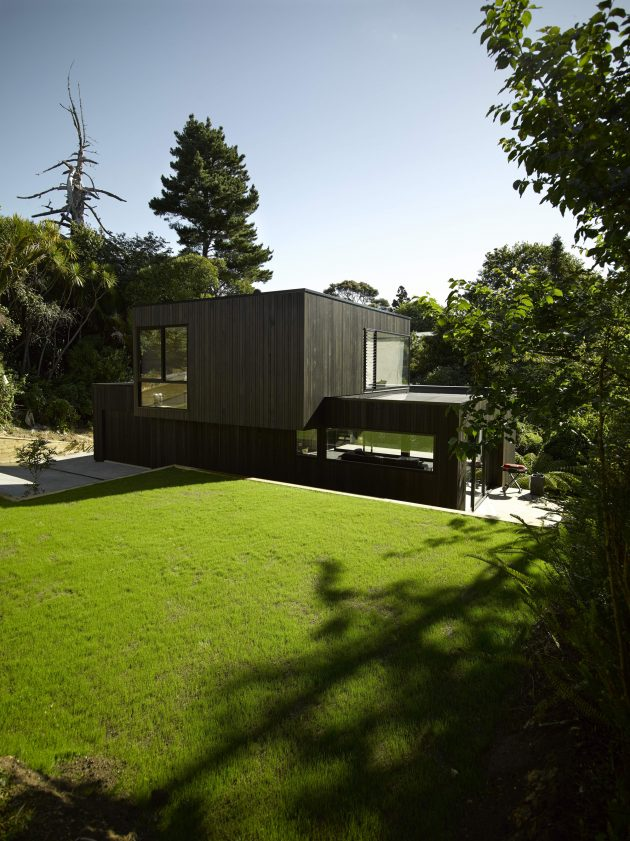 Waiatarua House by Hamish Monk Architecture in New Zealand
