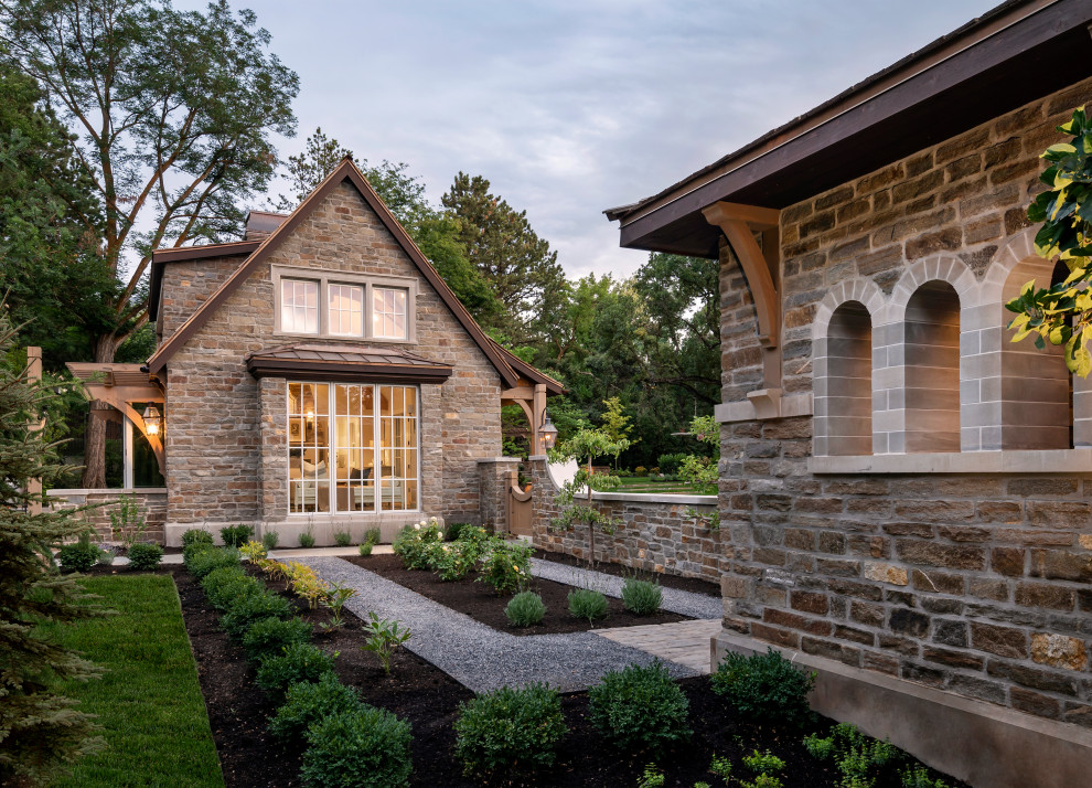 15 Breathtaking Traditional Landscape Designs You Will Not Forget Easily