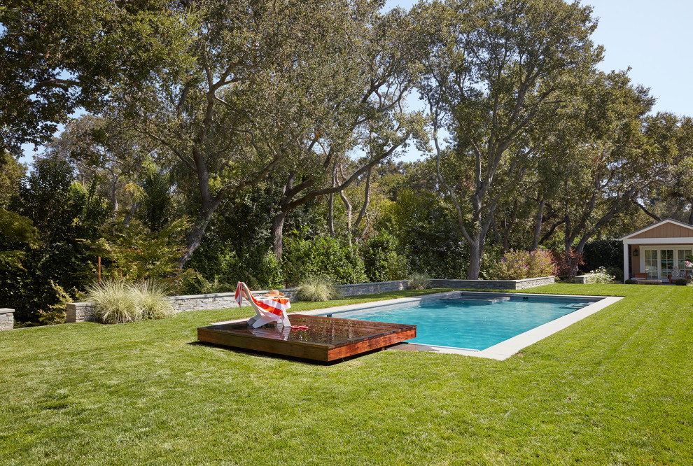 15 Magnificent Traditional Swimming Pool Designs