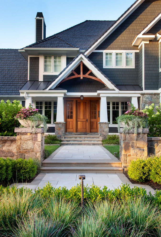 17 Engaging Traditional Entrance Designs That Will Welcome You Home