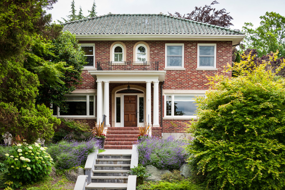 17 Exquisite Traditional Home Exterior Designs You Will Fall In Love With
