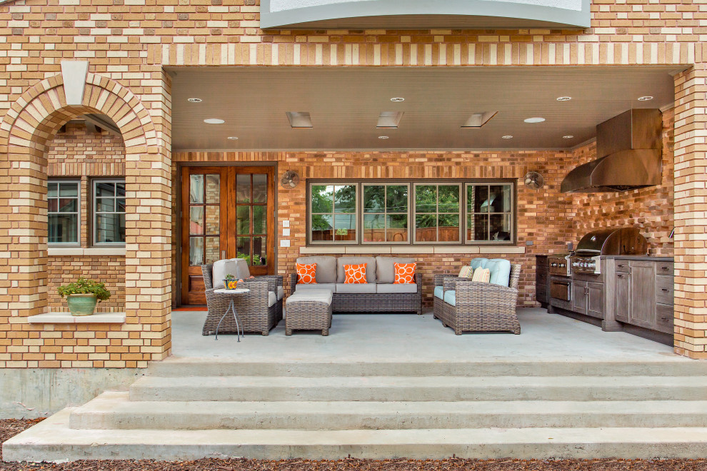 18 Sensational Traditional Porch Designs The Whole Family Can Enjoy