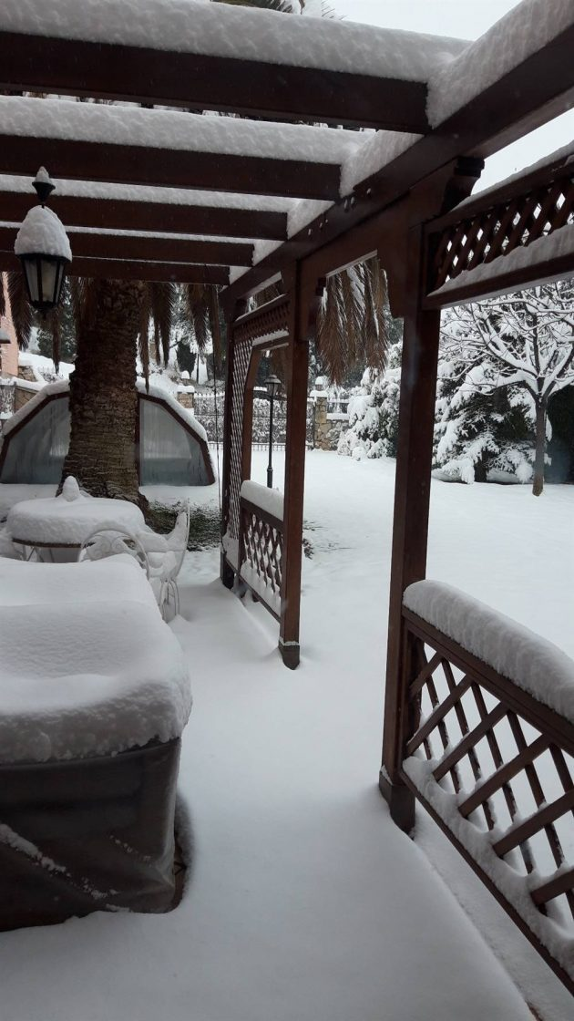 The Best Photos of Snowy Houses in Spain