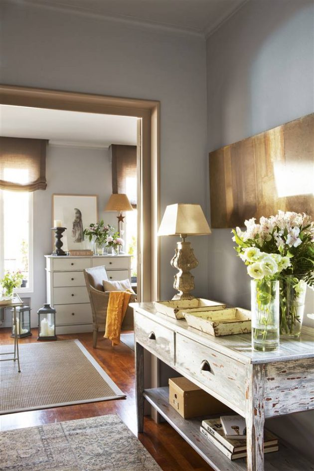 Give Style To The Hall And Find The Ideal Piece Of Furniture