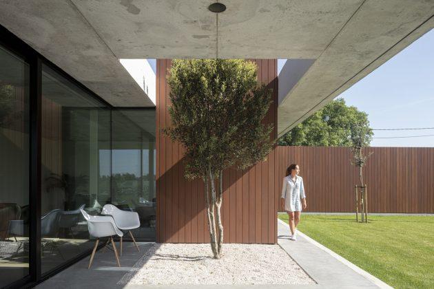 BOPORO House by TOOP Architectuur in Roeselare, Belgium