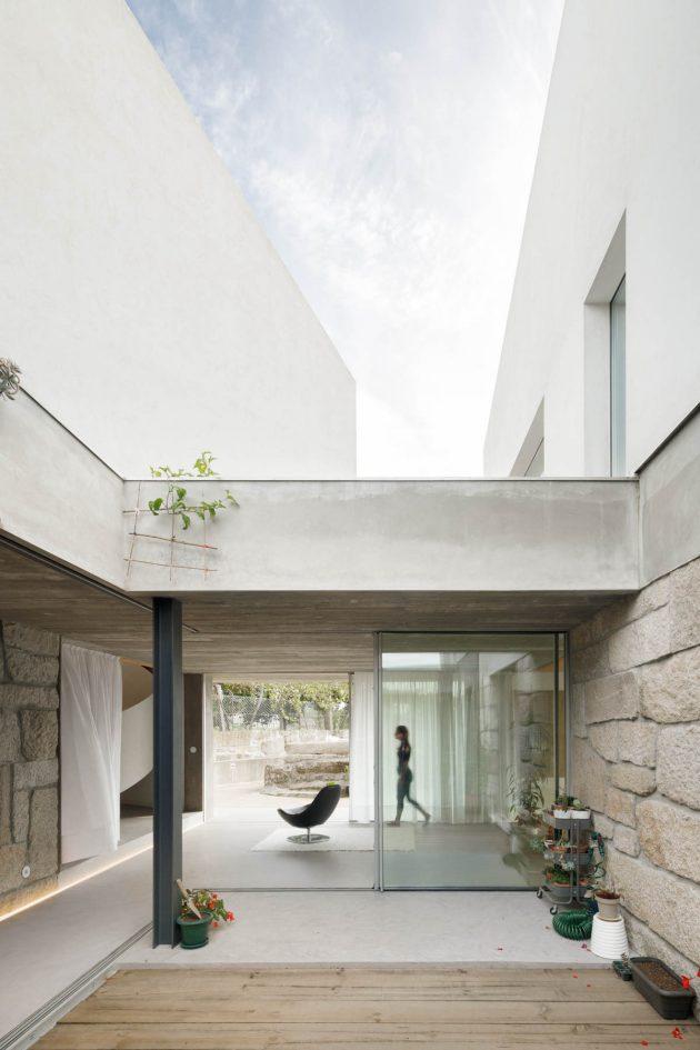 Casa RIO by Paulo Merlini Architects in Gondomar, Portugal