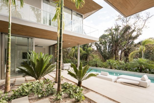 Courtyard House by Studio Saxe in Nosara, Costa Rica