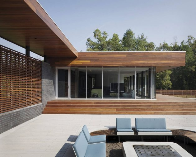 Curved House by Hufft Projects in Springfield, Missouri
