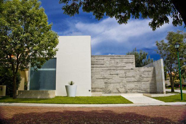 Ita House by Taller5 Arquitectos in Mexico