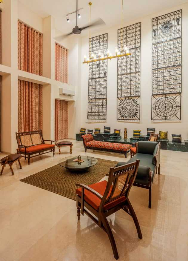 Markat - An ultra-rich Indian residence with traditional roots by Studio Crypt