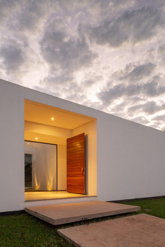 Park Way House by ArqBr Arquitetura e Urbanismo in Brazil