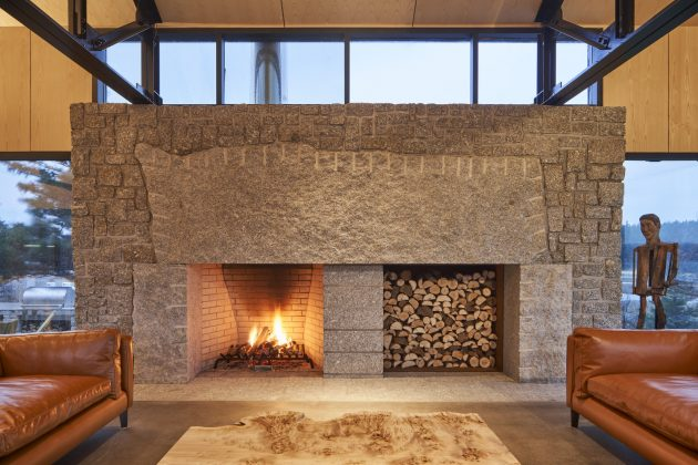 Smith House by MacKay-Lyons Sweetapple Architects in Upper Kingsburg, Canada
