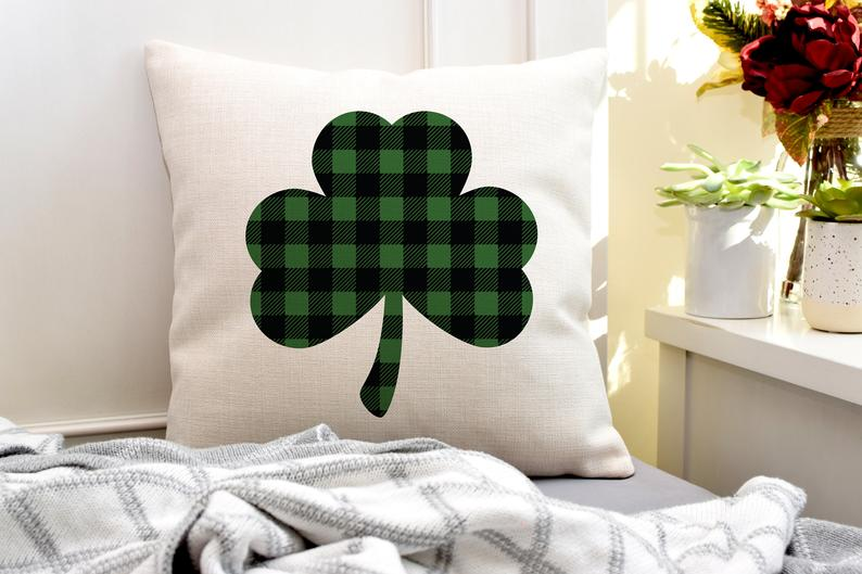 15 Charming St. Patrick's Day Pillow Idea For A Gift