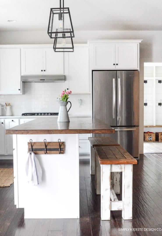 15 Impressive DIY Farmhouse Décor Ideas For Your Kitchen