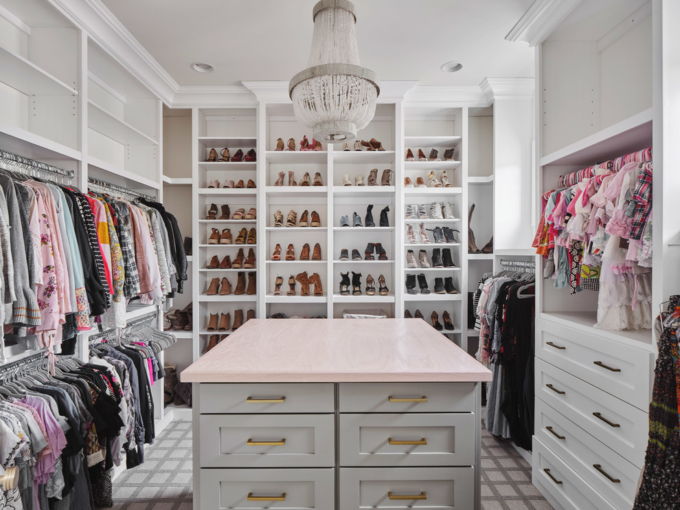 16 Exquisite Farmhouse Walk-In Closet Designs You Will Fall In Love With