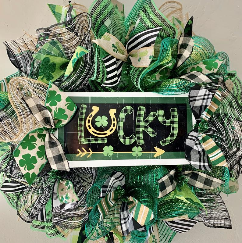 18 Amazing St. Patrick's Day Wreath Designs That Will Invite Good Luck