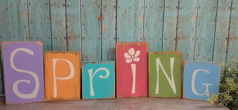 18 Beautiful Spring Sign Decoration Ideas To Scatter Around Your Home