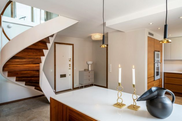 Duplex With Modern And Elegant Spiral Staircase