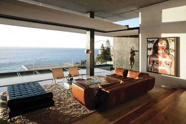 ARRCC presents Horizon Villa - A family home overlooking the Atlantic Seaboard in Bantry Bay, South Africa