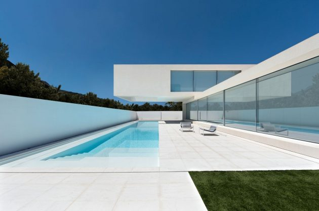 House of Sand by Fran Silvestre Arquitectos in Valencia, Spain