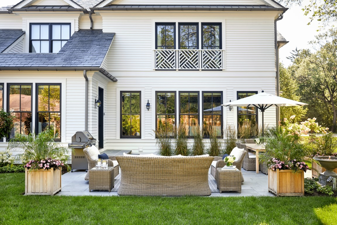 15 Majestic Farmhouse Patio Designs That Will Make You Want To Live Outside