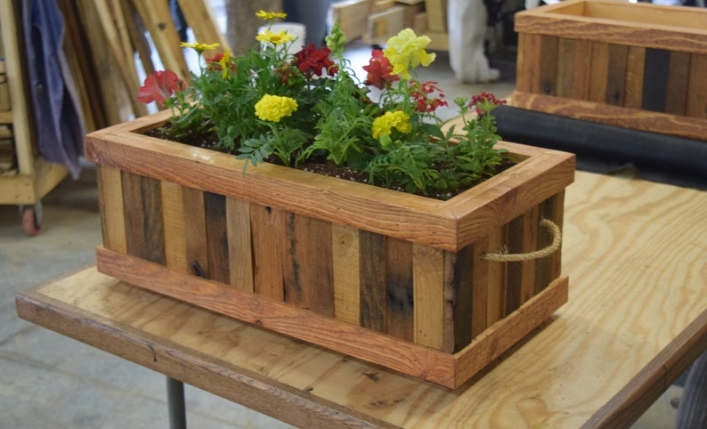 17 Awesome Planter Designs To Add To Your Patio This Spring