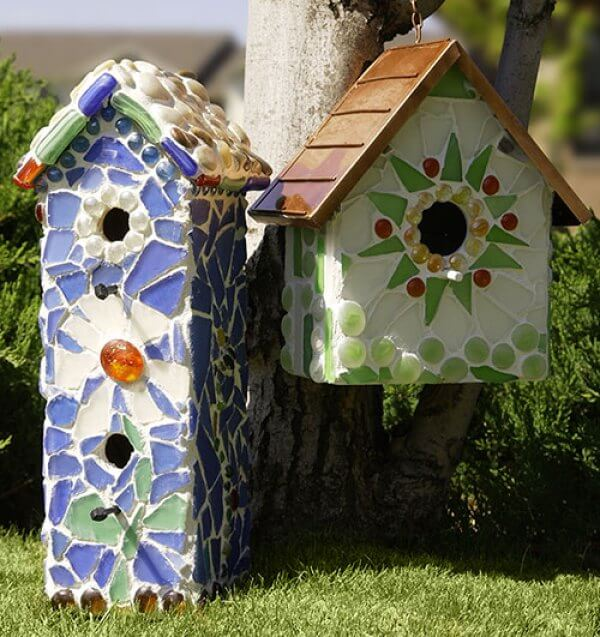 17 Stunning DIY Mosaic Décor Projects For Your Garden