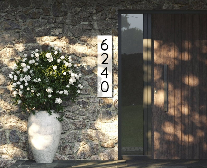 18 Eye-Catching House Numbers Plaque Designs That Will Refresh Your Exterior