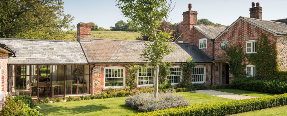 18 Magnificent Farmhouse Exterior Designs That Will Warm Your Heart
