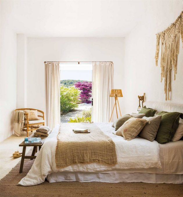 Spring Bedrooms That Will Give You The Feeling Of Garden Full Of Fresh Flowers