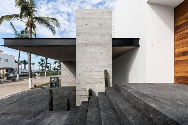 Beach House by [H] Arquitectos in Mazatlan, Mexico