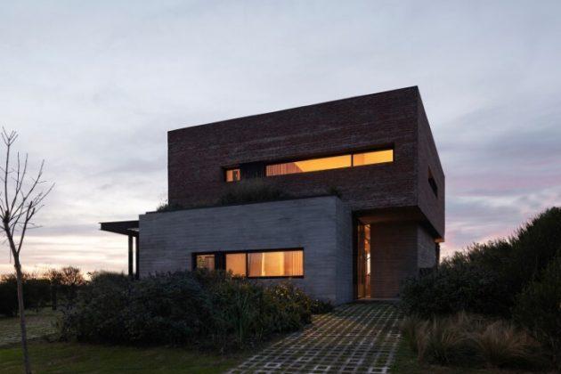 DaB House by BAM! Arquitectura in Belen de Escobar, Argentina