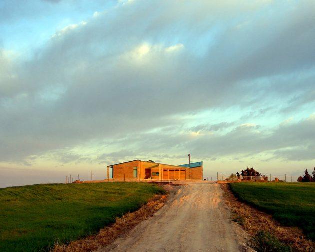 Diamante House by Marsino Arquitectura in Argentina