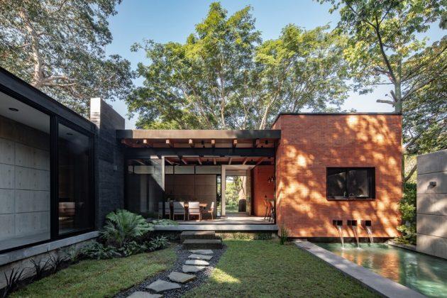 Keita House by Di Frenna Arquitectos in Colima, Mexico