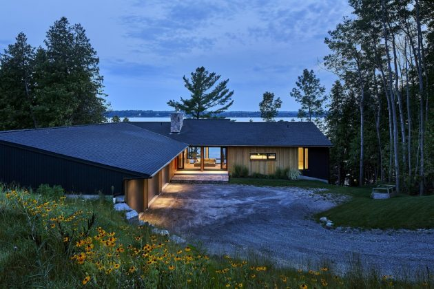 Sturgeon Lake House by Stephane LeBlanc Architects in Ontario, Canada