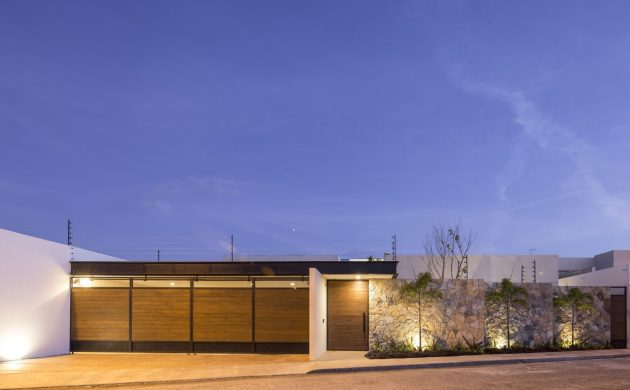 Un Patio Residence by P11 Arquitectos in Merida, Mexico