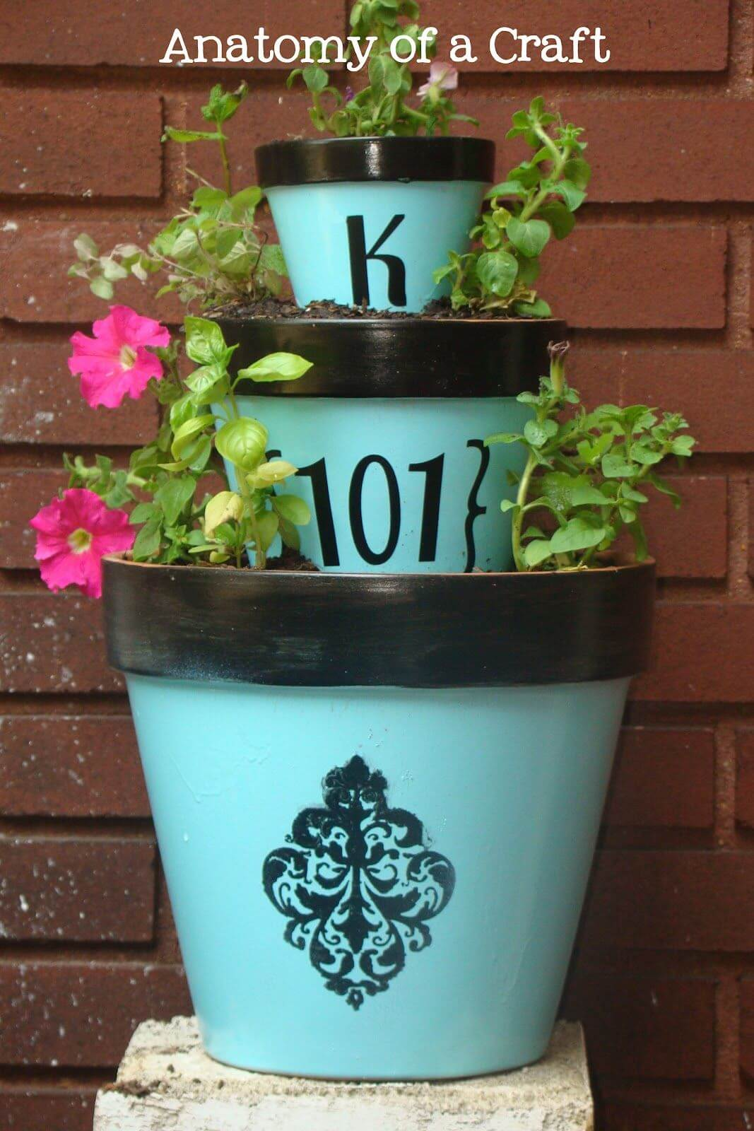 15 Awesome DIY Clay Pot Projects For Your Garden Décor