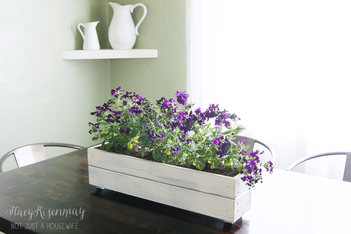 15 Charming DIY Flowerbox Centerpiece Designs You Will Want To Craft Right Now