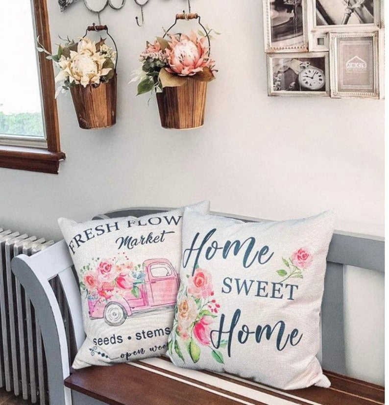 15 Lovely Spring Pillow Covers For Your Patio