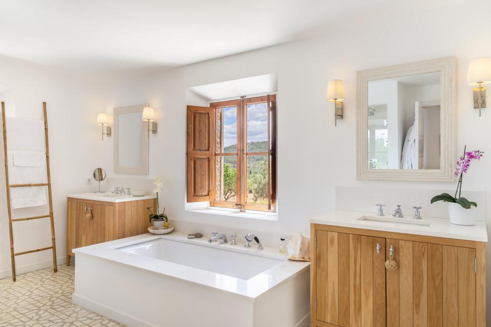 16 Beautiful Coastal Bathroom Designs Perfect For The Beach House