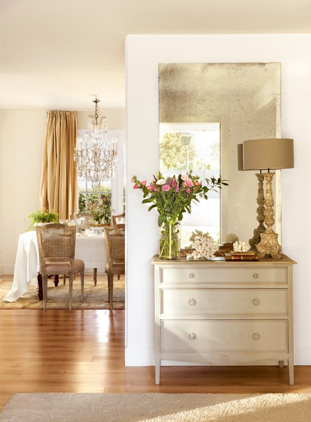 Useful Tips To Bring Light To The Dark Hall