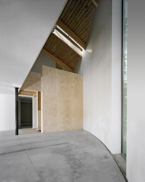 House in the Outskirts of Brussels by SAMYN and Partners in Belgium