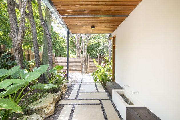 Villa Akoya by Studio Saxe in Puntarenas, Costa Rica