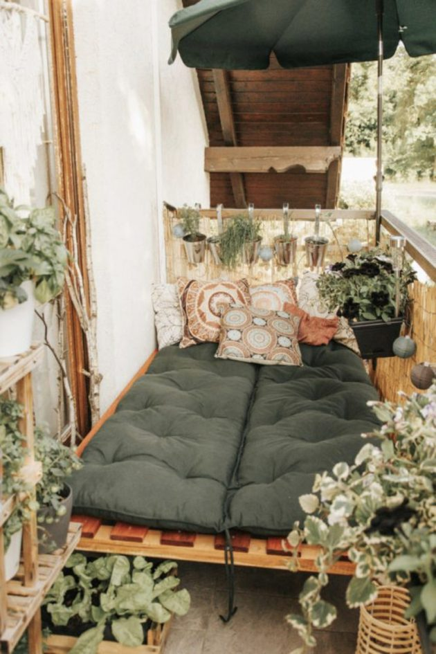 Balcony Filled With Naturalness And Relaxation