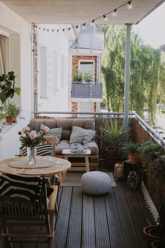 A Cozy Little Balcony That Will Melt Your Heart