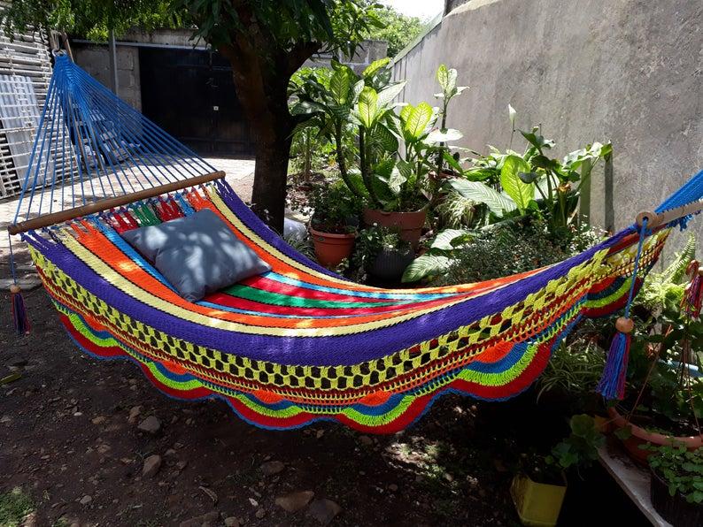 18 Fantastic Outdoor Hammock Designs That Will Let You Unwind