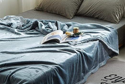What Is The Difference Between Throw And Everyday Use Blankets?
